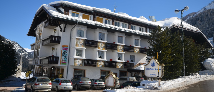 italy_dolomites-ski-area_arabba_sport_hotel_arraba_exterior.jpg (1)